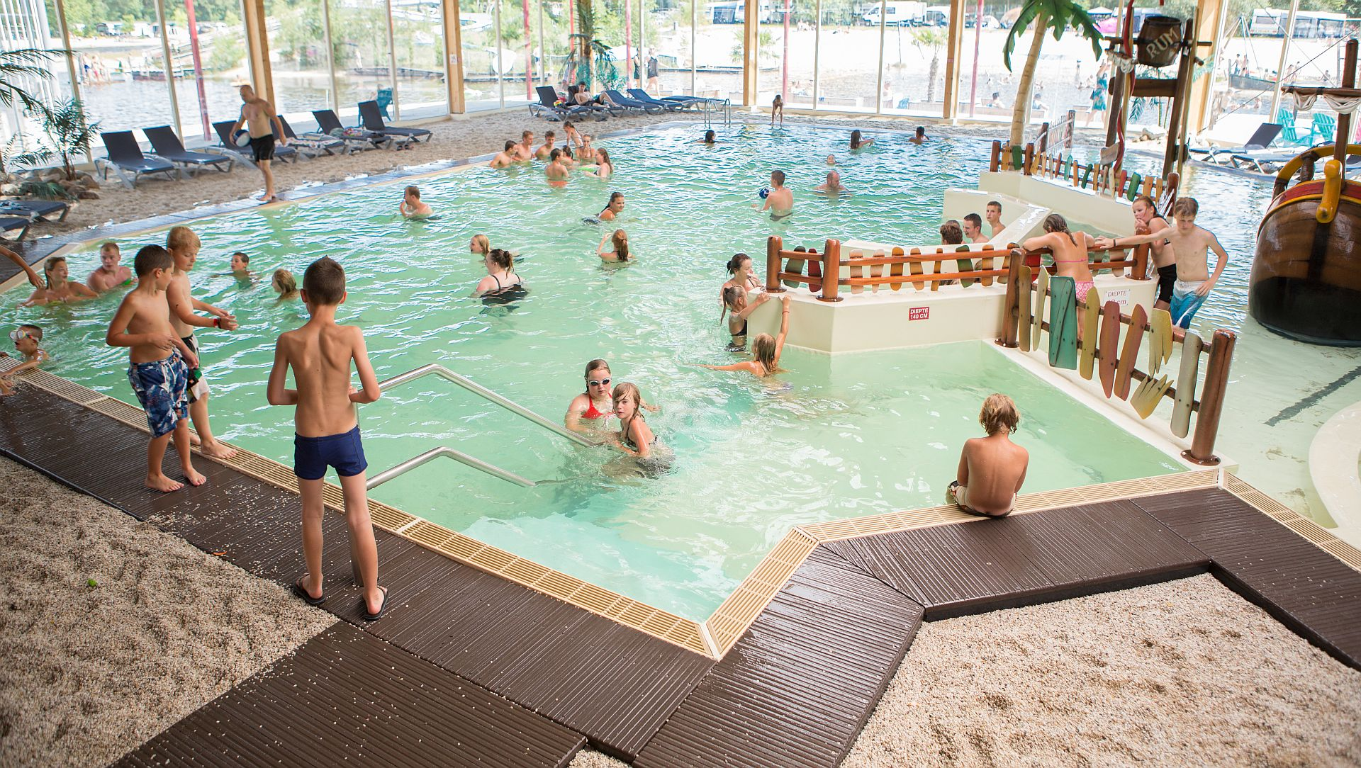 Osterurlaub auf 5 Sterne Ferienpark Het Stoetenslagh - Osterurlaub