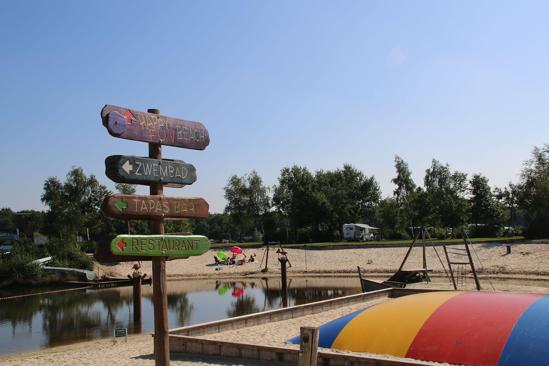 Urlaub mit Hund auf 5 Sterne Campingplatz Het Stoetenslagh. -