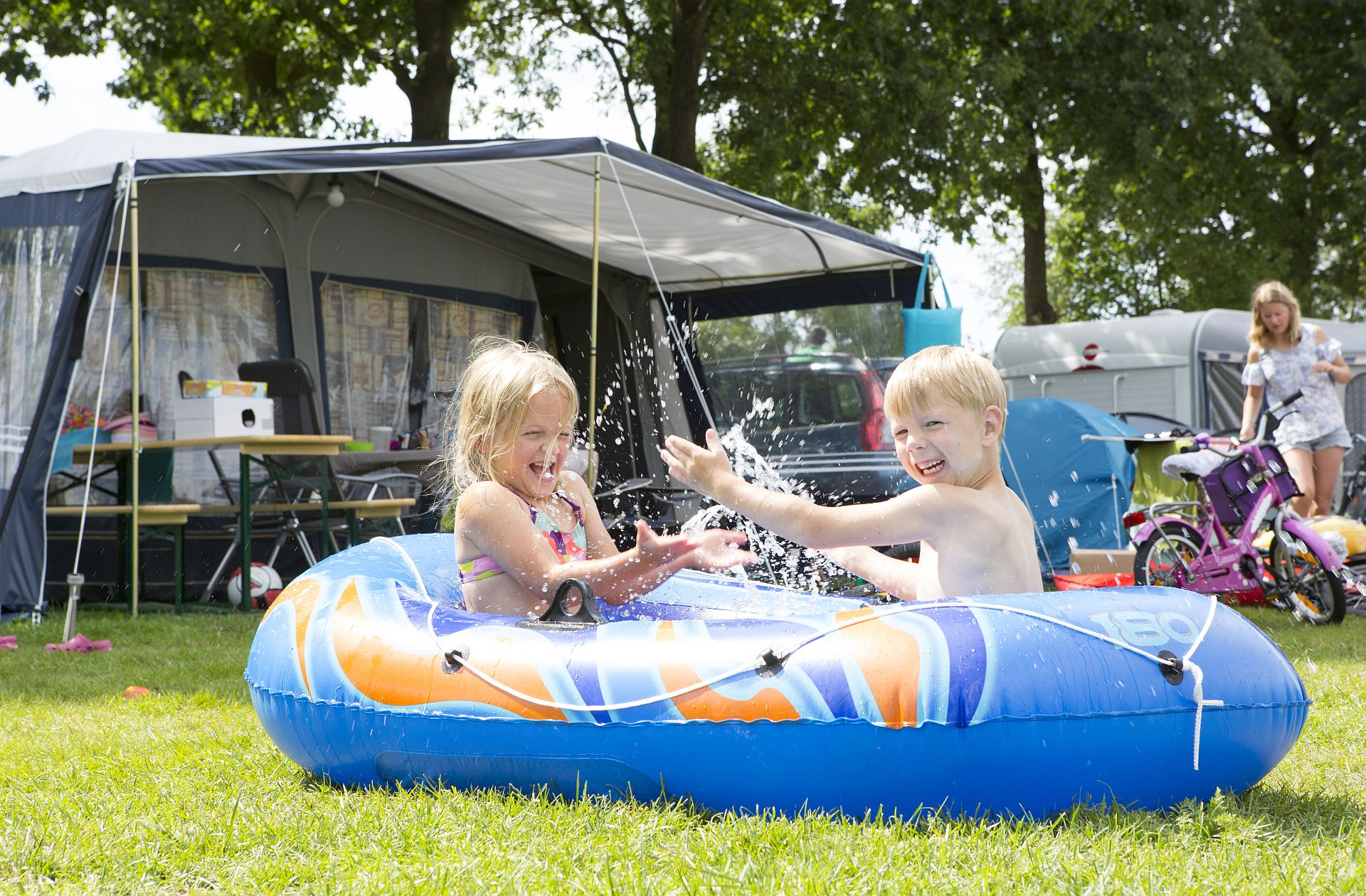 5 Sterne Familiencampingplätz in Hardenberg Overijssel -