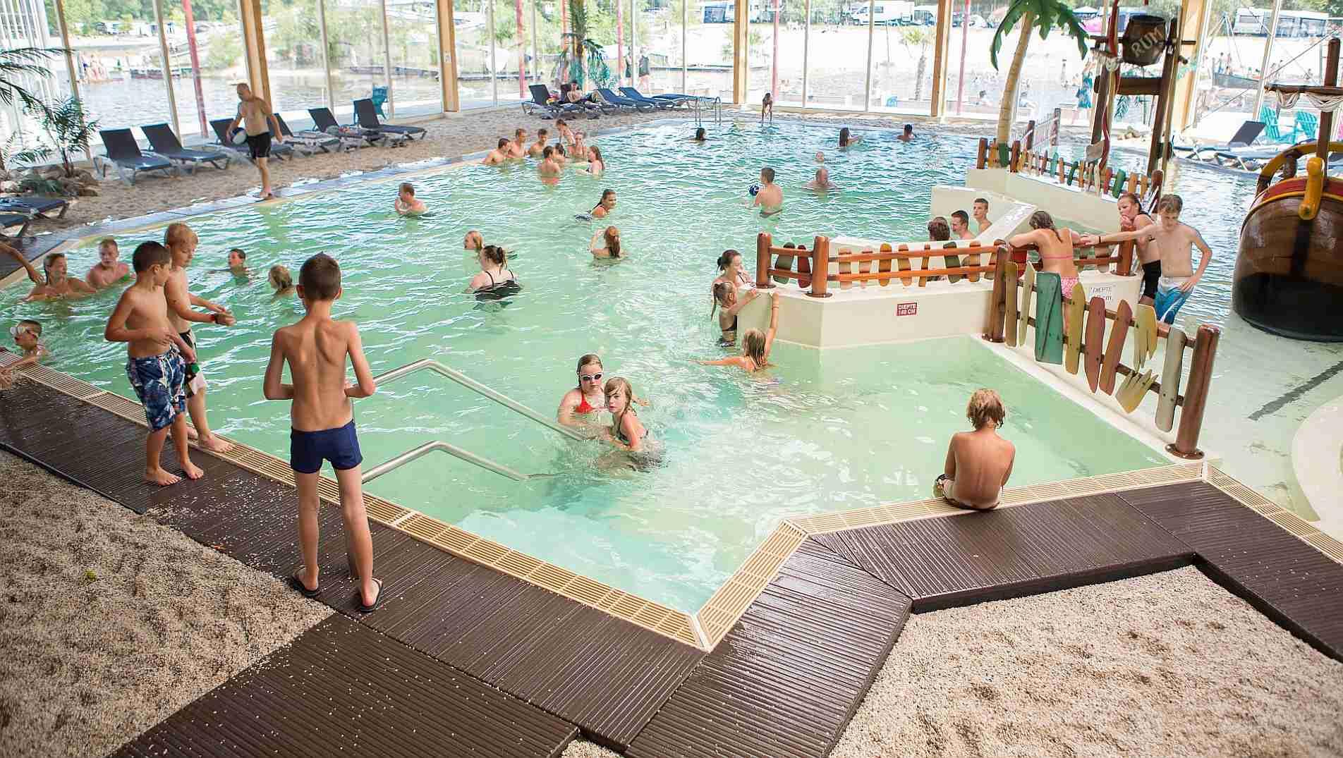 Herbstferien auf 5-Sterne Ferienpark in Hardenberg - Herbstferien im Ferienpark het Stoetenslagh